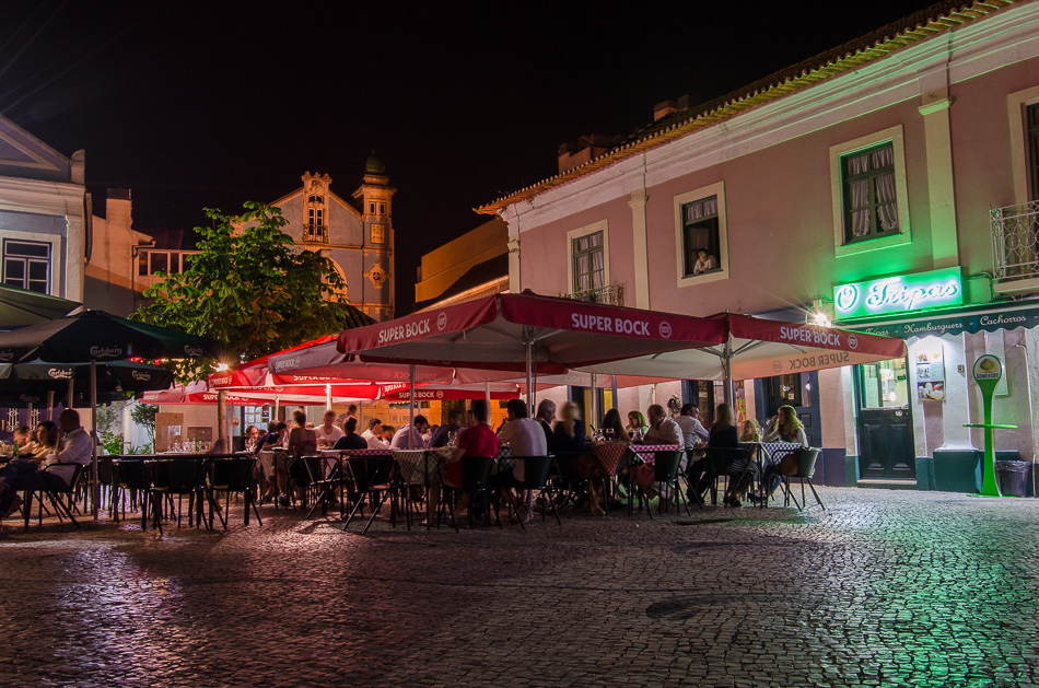 Praça do Peixe at night