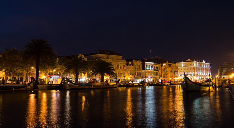 Aveiro travel guide nightlife, what to eat