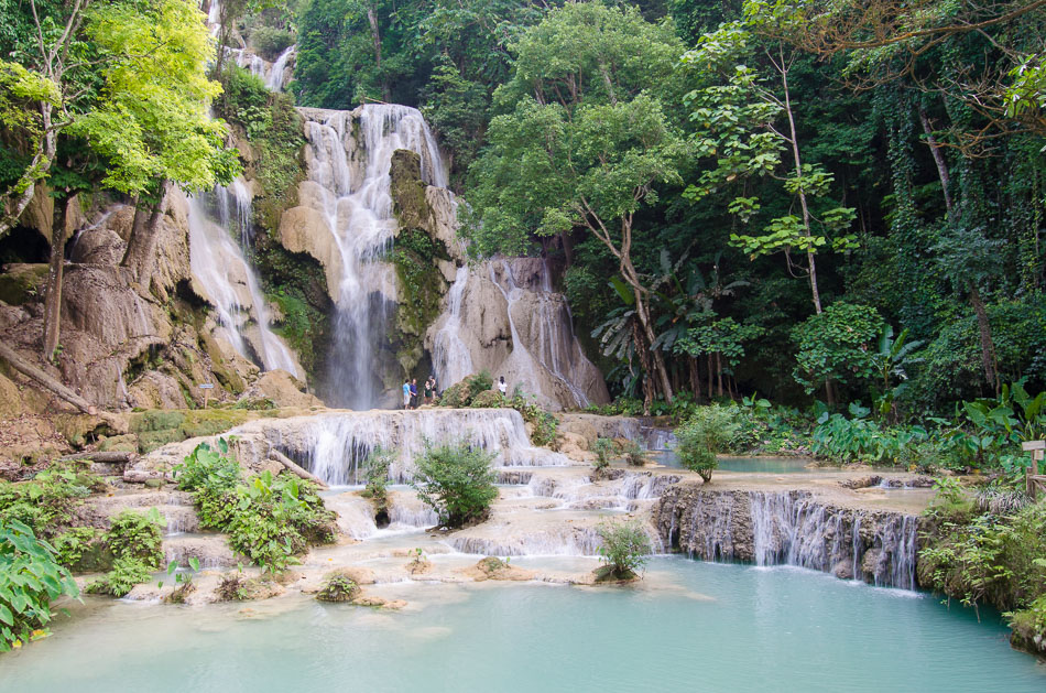 Kuang Si main waterfall