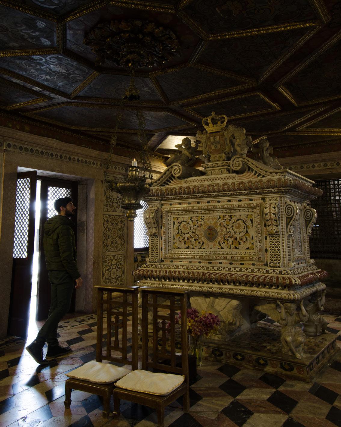 Aveiro Museum Santa Joana's tomb