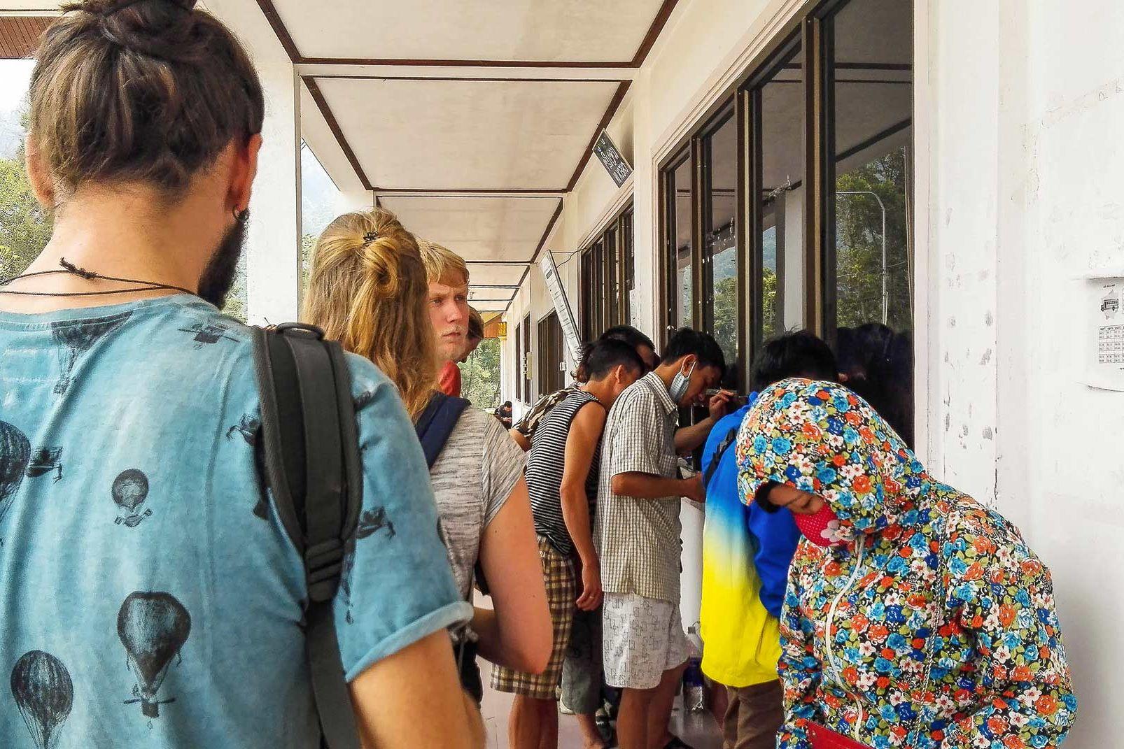 Vietnam Laos border queue