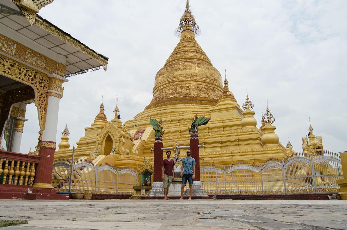 Kuthodaw Pagoda Stupa