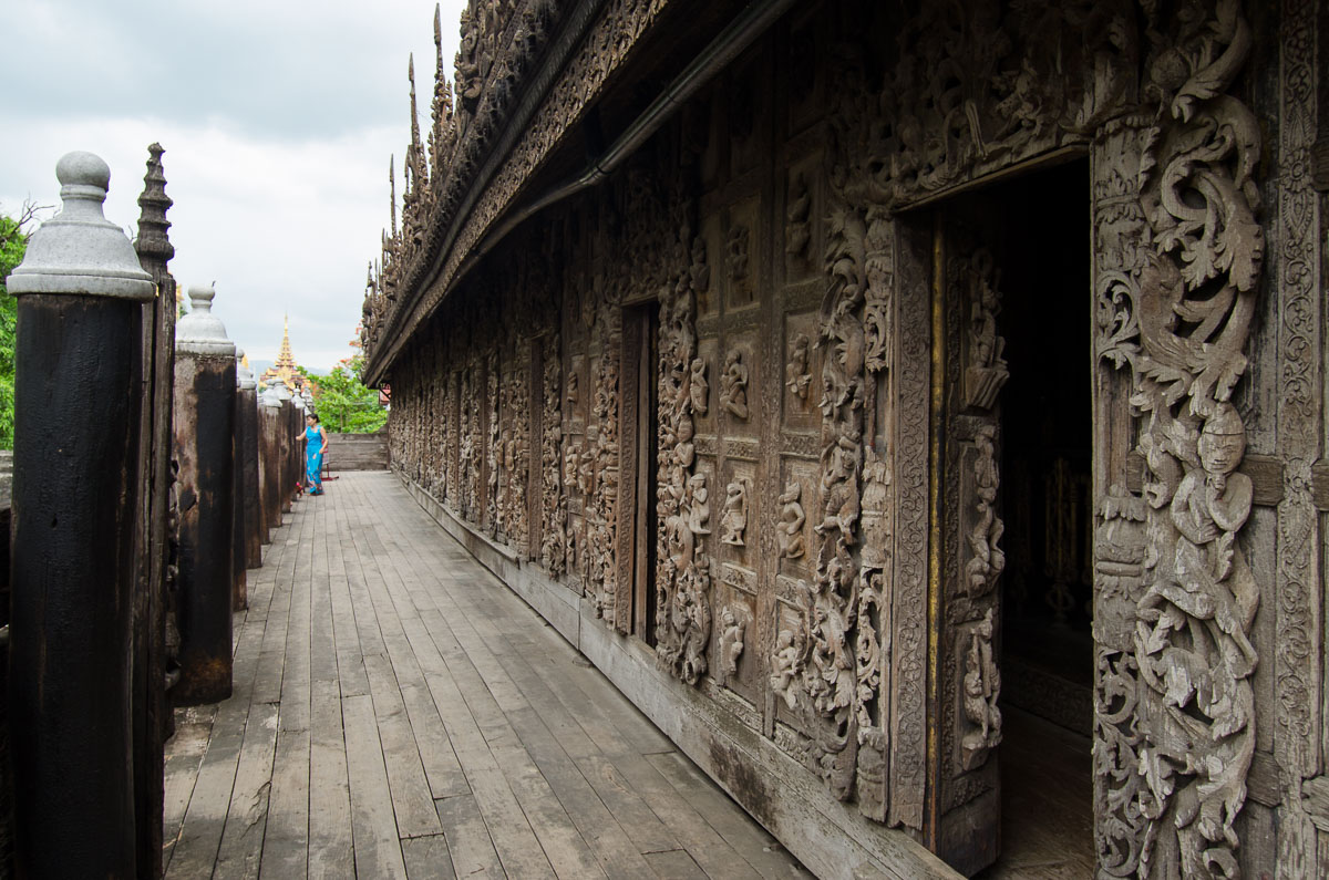 shwenandaw kyaung wooden temple