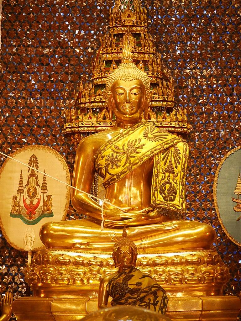 Wat Ratchapradit Buddha